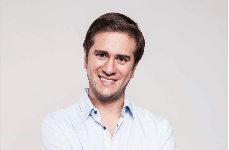 Daniel Buritica en entrevista para Hojas de Inspiración.