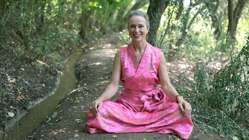 Lakshmi Devi en el bosque.