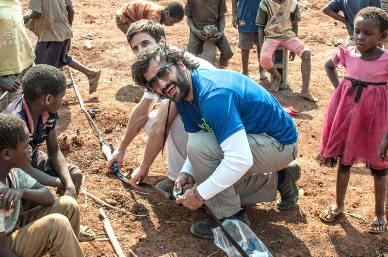 Guillermo Navarro durante una misión sanitaria en África.